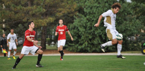 Drury slips past men's defense